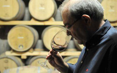 José Pascual Gracia: «Ya es muy difícil ver la botella de vino en medio de la mesa»