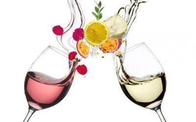 El frescor del vino blanco y rosado explicado: Así se consigue y mantiene